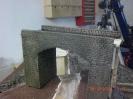 Am Ende wurden die Fugen gefärbt und das gesamte Modell nochmals mit hellem braun graniert.