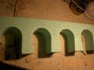 Die Seiten der Brücke sind fertig graviert.